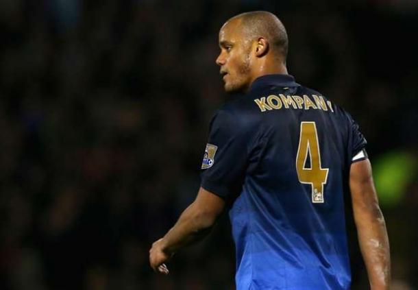 Vincent Kompany Masih Belum Dapat Dipastikan Berlaga Lawan Manchester United